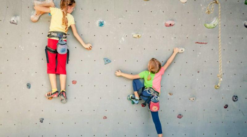 Скалолазание для детей, как вид спорта. Что важно знать.